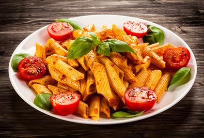 Einfaches Nudelgericht: Pasta mit Gemüse-Pesto