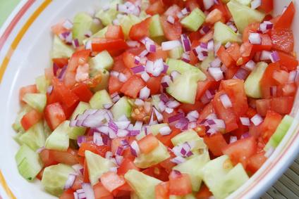 Türkischer Salat mit Tomate und Gurke
